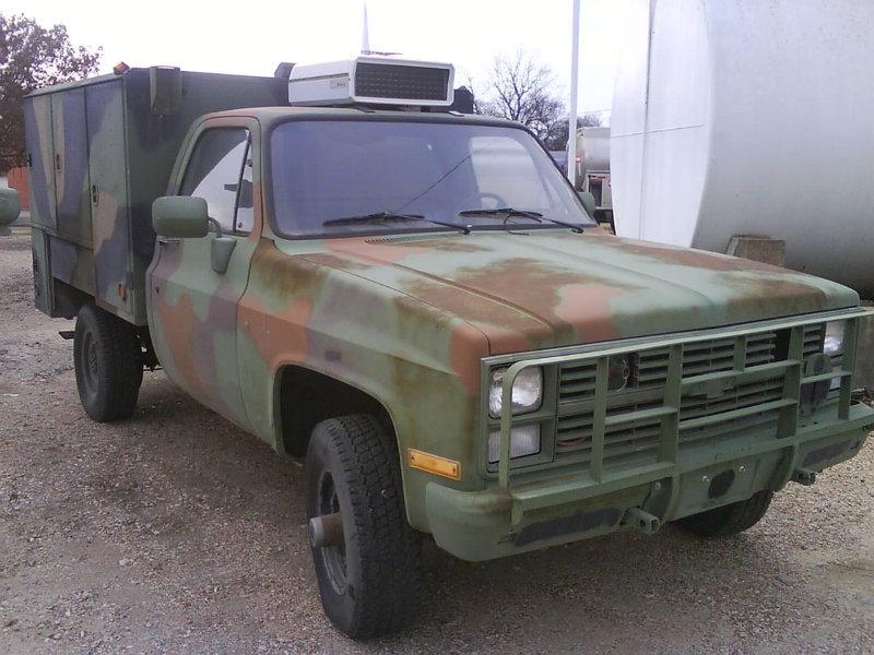 No0812_Chevrolet_M1031_Maint-Truck