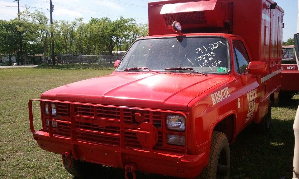 No1309 Chevrolet M1010 4x4 Military Ambulance Red